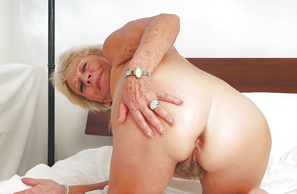 Влагалище пожилых женщин — pic 12