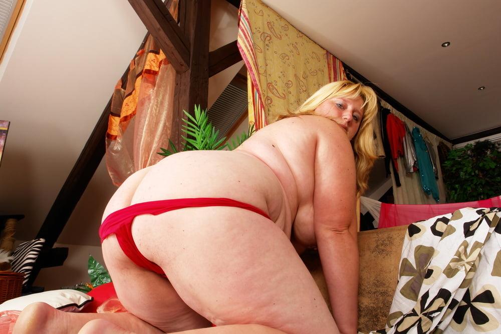 Lesbian seduces lesbian-3731