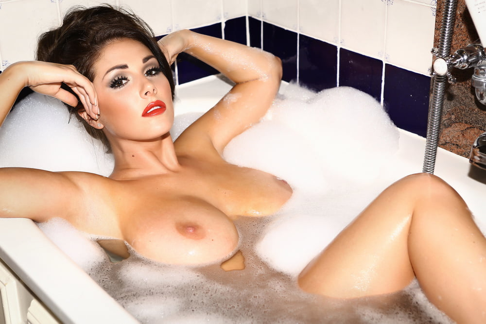 I want to switch back and forth between fucking lucy pinder and michelle marsh