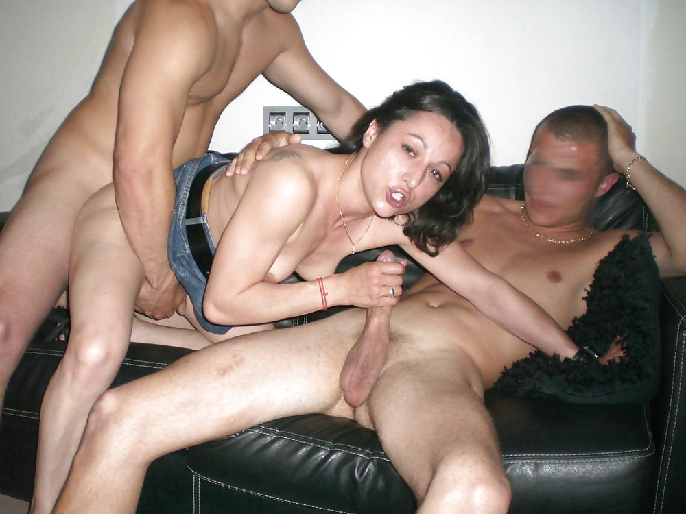Wife has group sex