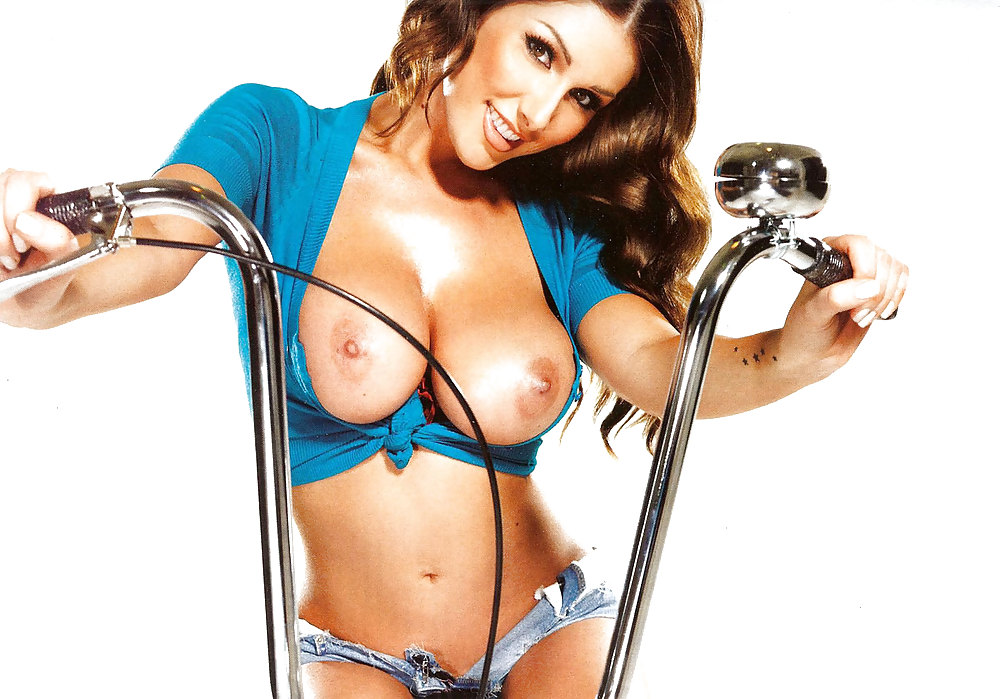 Lucy pinder pose for the camera