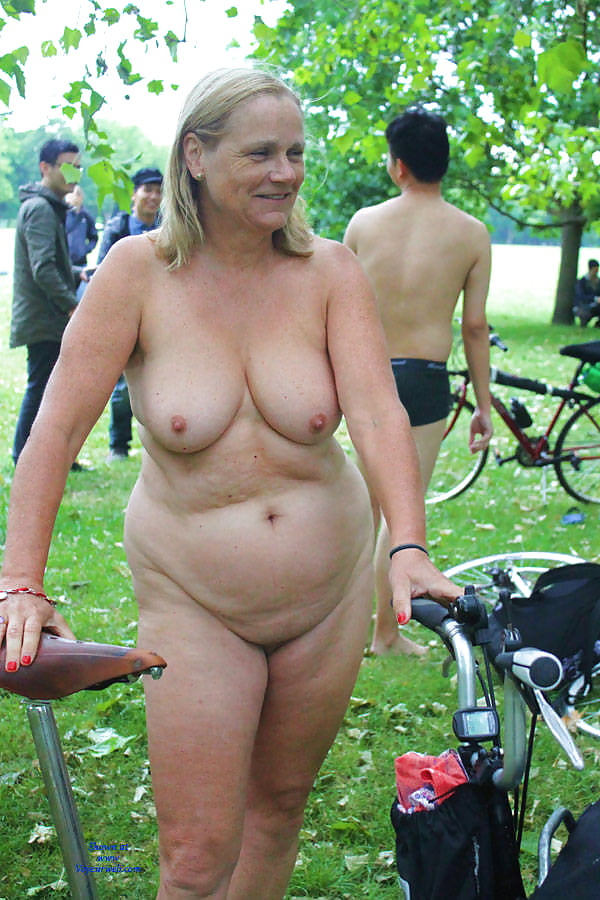 Chubby blonde nude in public, sleeping photo sexs
