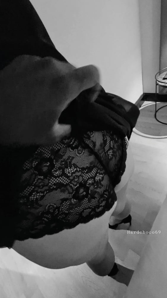 Submissive milf in my Dungeon - BBC addicted - 12 Pics