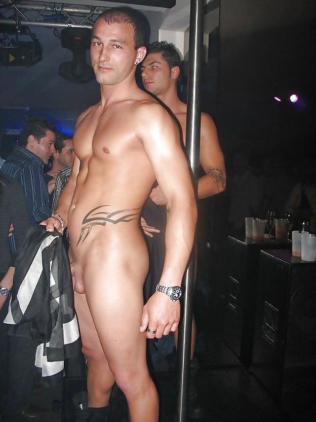nude-strepper-guy-tanya-desnuda