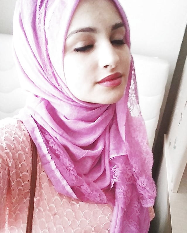hijab-big-pussy-girl