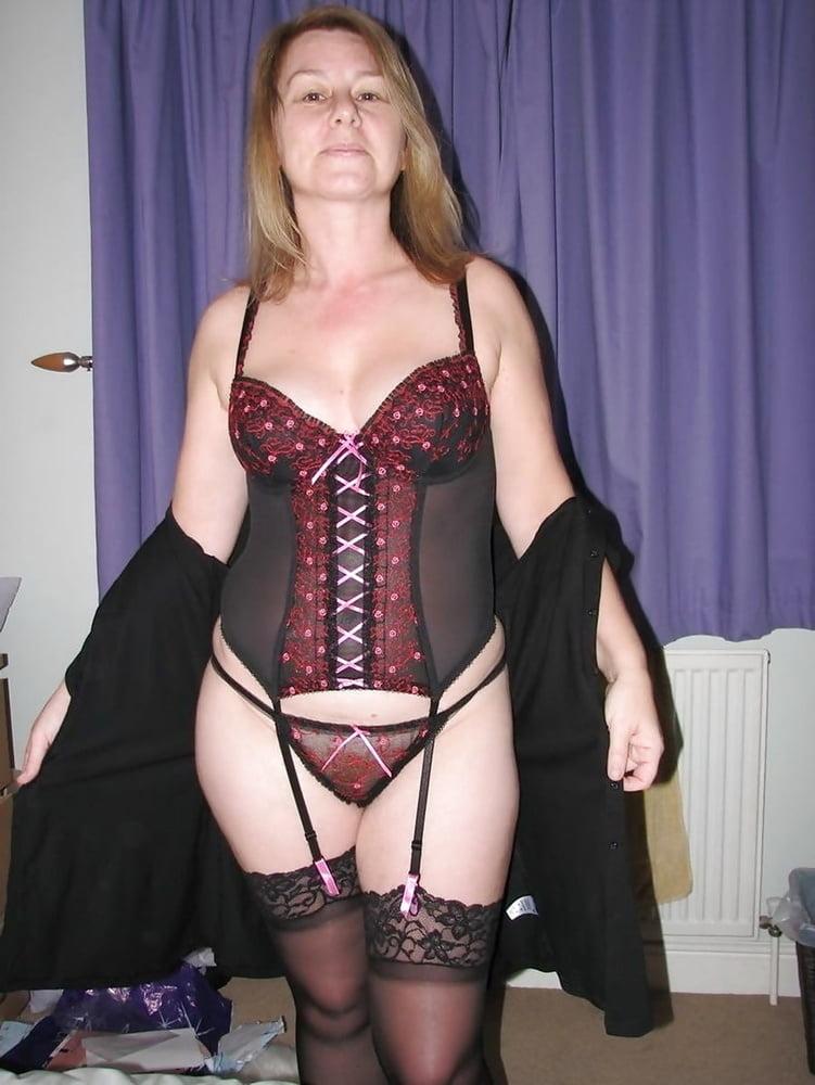 Amateur lingerie club