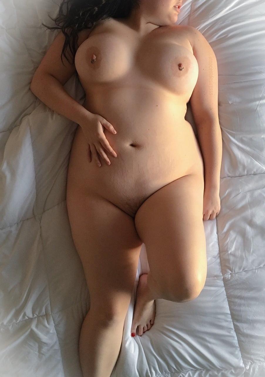 Plus size nude curvy girl
