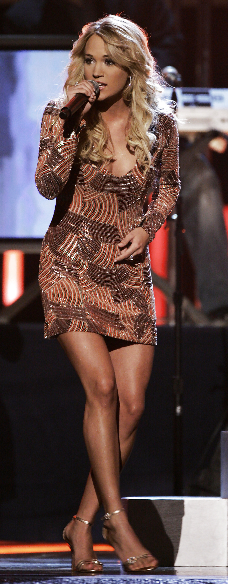 Carrie underwood upskirt — pic 7