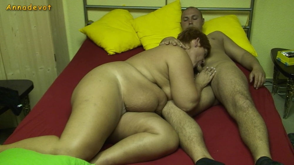 MILF - From Boy fucked to orgasm - 15 Pics