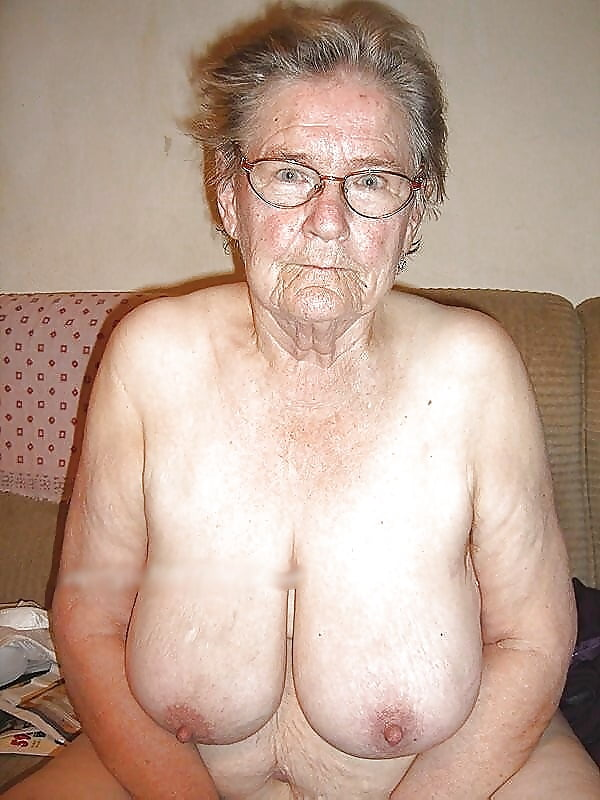 Sexiest granny wrinkly empty and floppy tits collections
