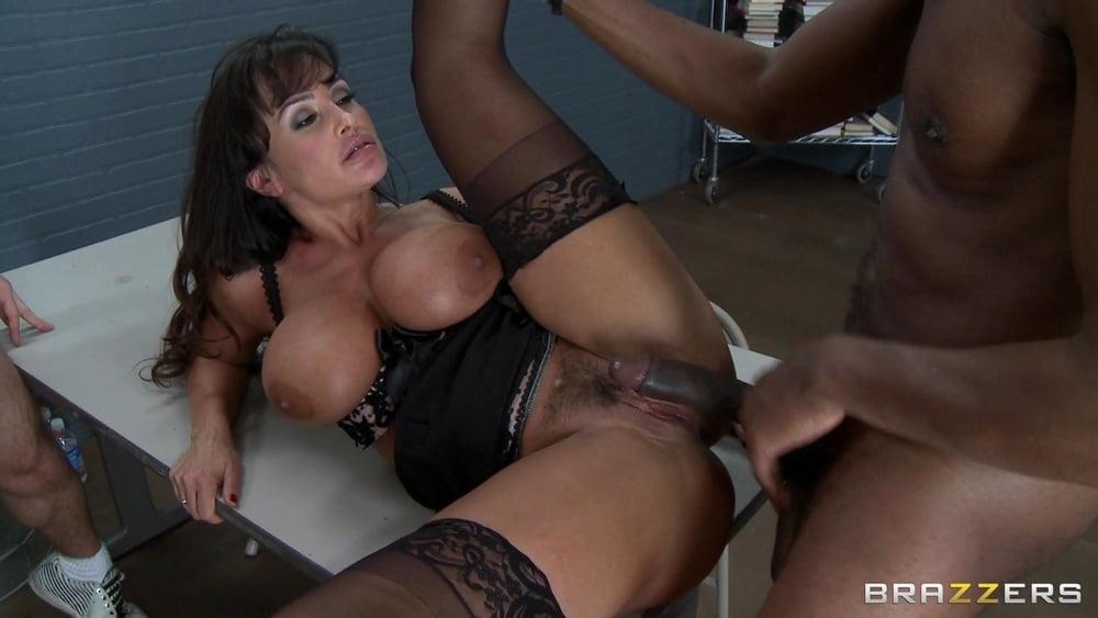 Порно фильмы с лизой энн наказание порно звезд
