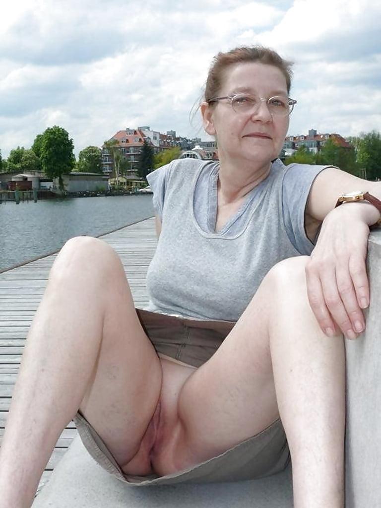 Bodybuilderin Oma Geile Gruppensex