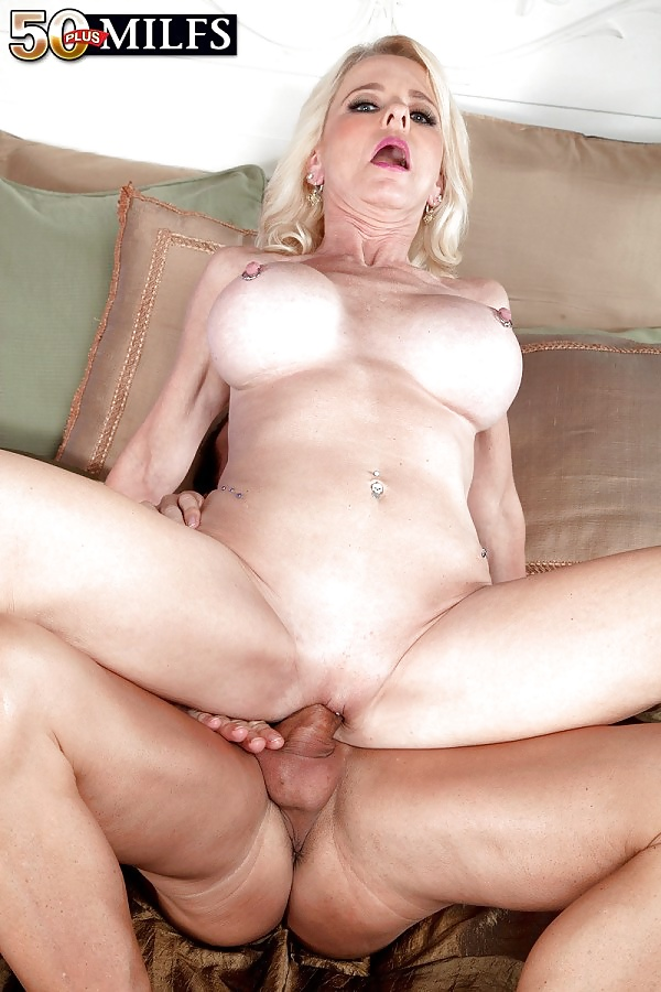Milf babe ava austin with big natural boobs and hot hairy pussy