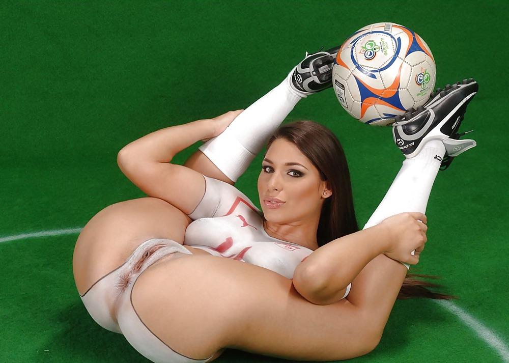 hot-girl-soccer-sexing-ad-euro-teen-anal