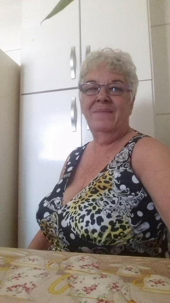Belle mamie- 71 Pics