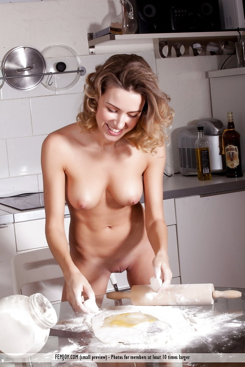 Attractive The Naked Cheff Scenes