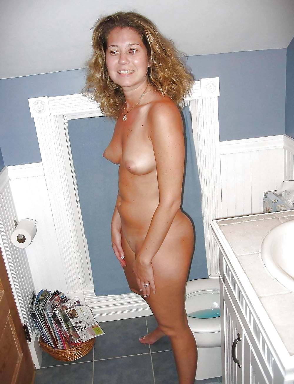 Girls fucking thick girls caught naked