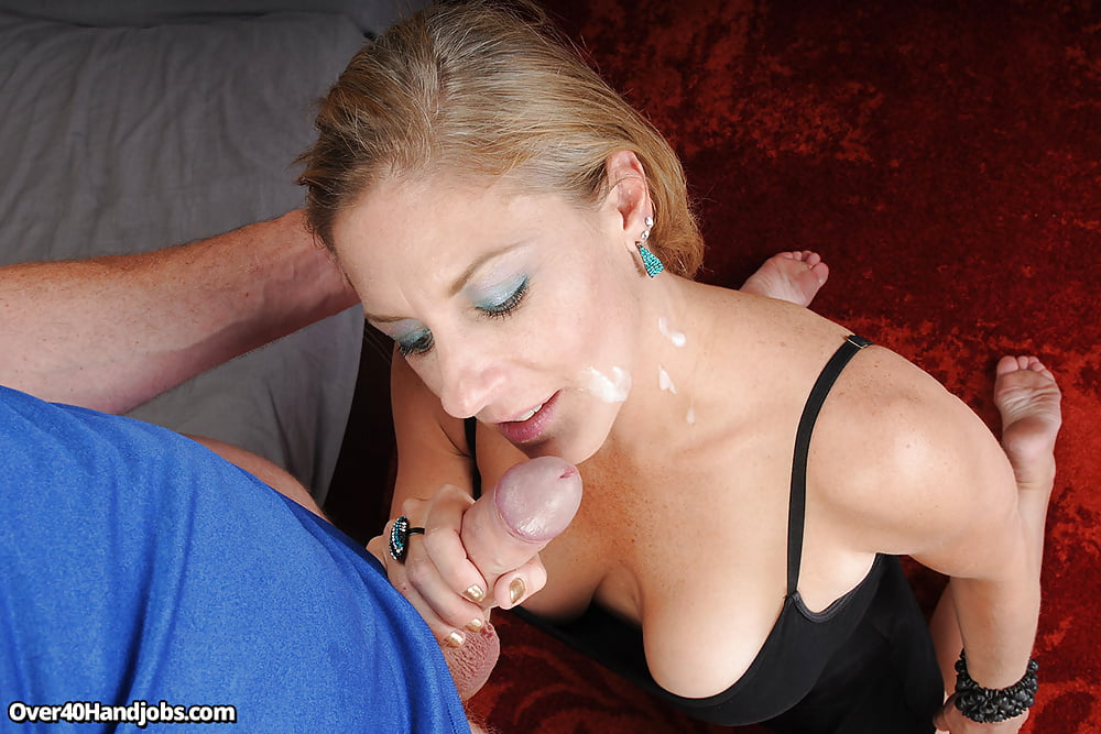 Blonde Lady Charlee Chase Dribbles Jizz Off Her Tongue After Blowjoob 1