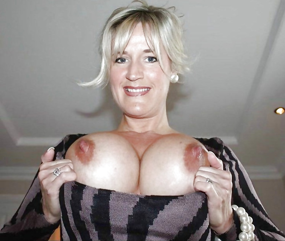 trophy-wives-with-huge-breasts