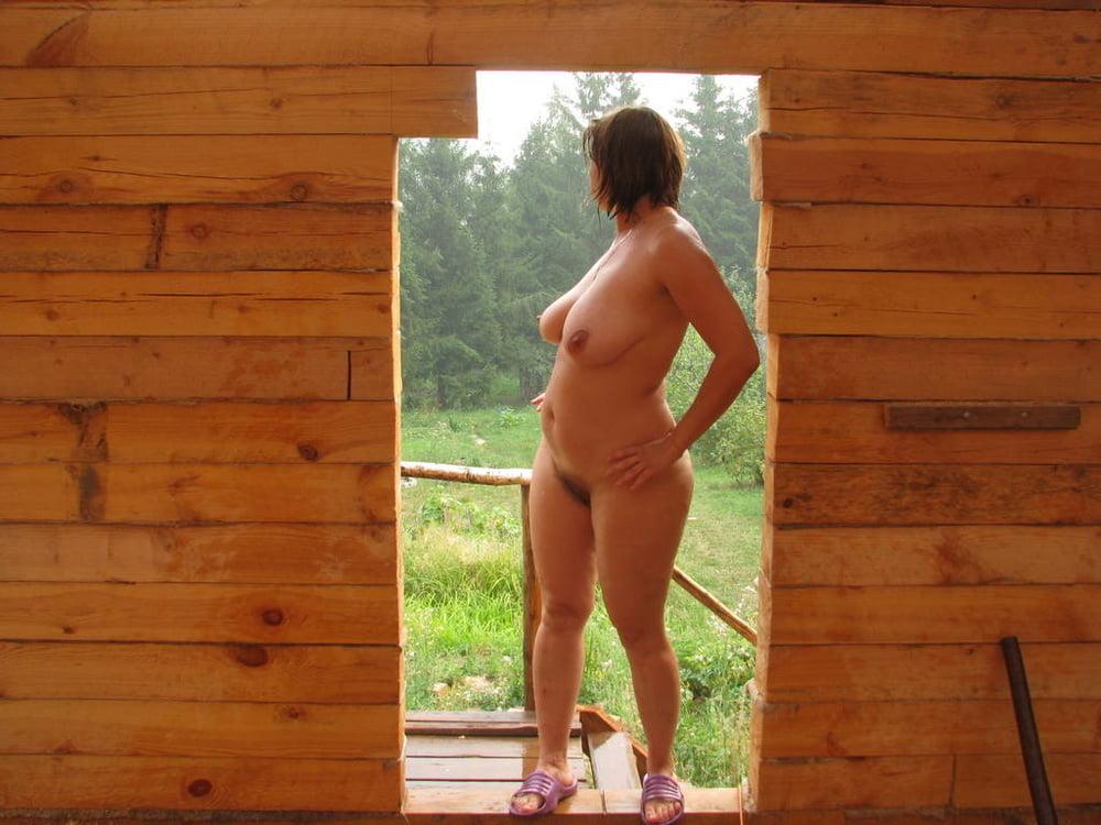 фото голые девушки и женщины на даче ответила ему