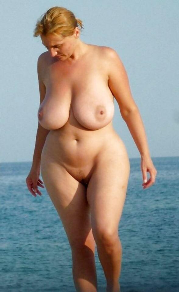 Зрелые Старые Нудистки Спышными Формами На Пляже Порно Фото