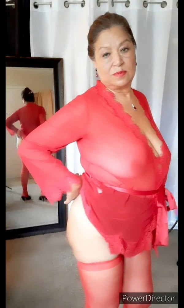 Mature bbw woman in a transparent night gown - 7 Pics