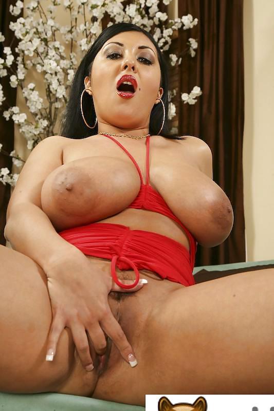 Busty Nude Babes Jaylene Rio