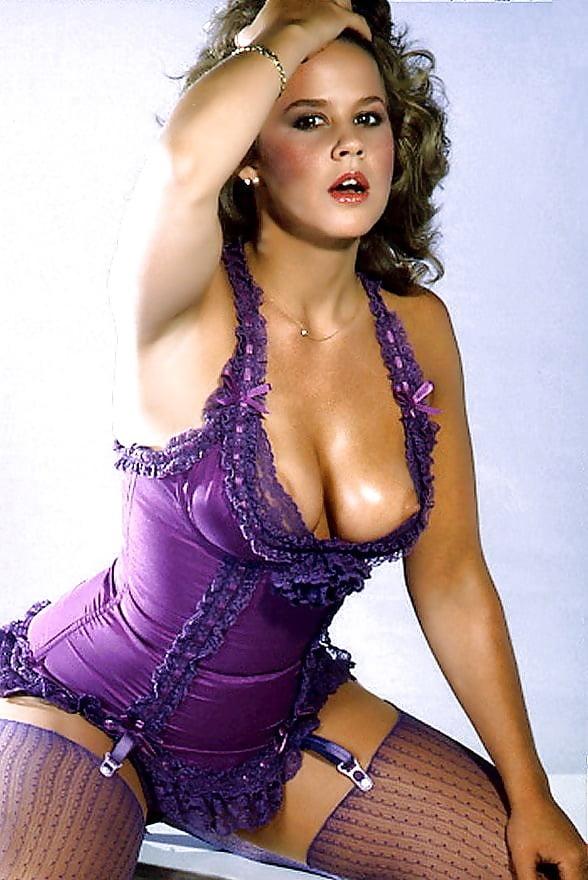 Linda Blair Playboy Photos 10 Fotos Xhamstercom