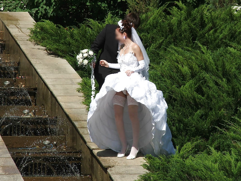 free-upskirt-wedding-photos
