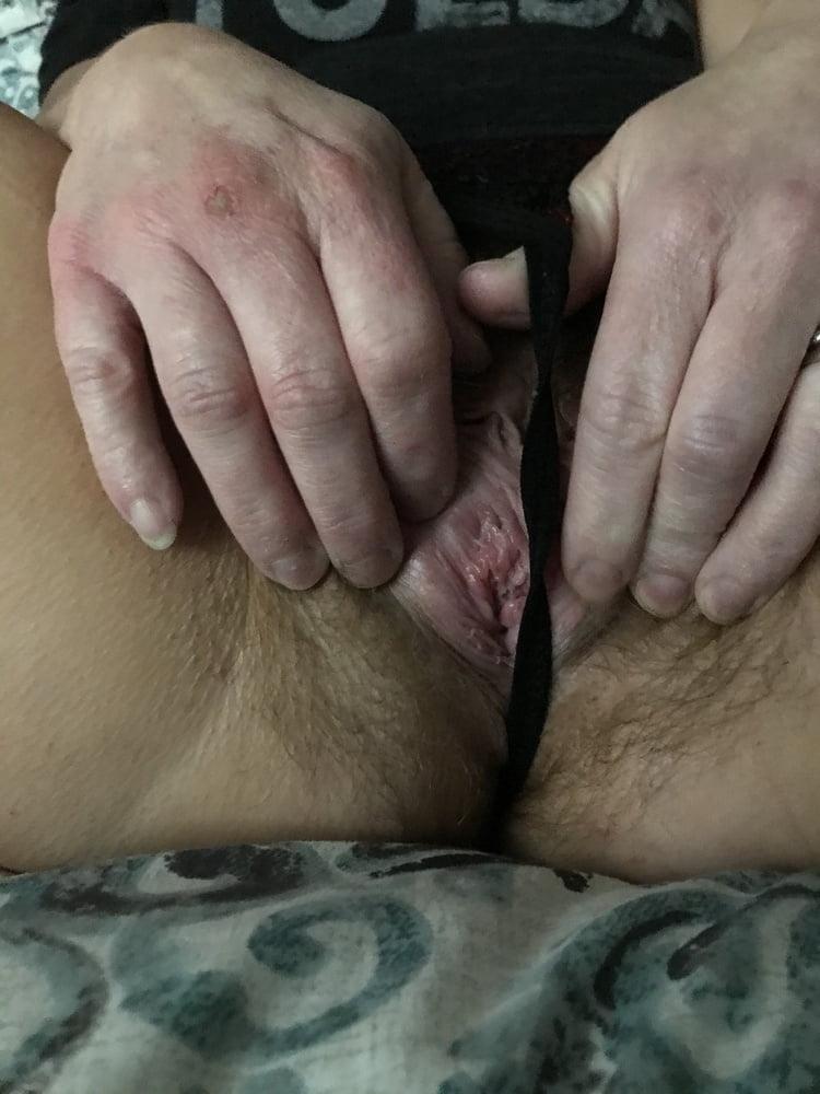 Hot Wet Hairy Pussy American Milf 01
