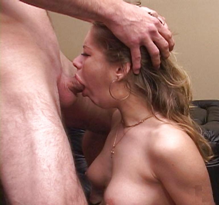 Milf Persia Monir Lets Her Cunt Lick A Bartender