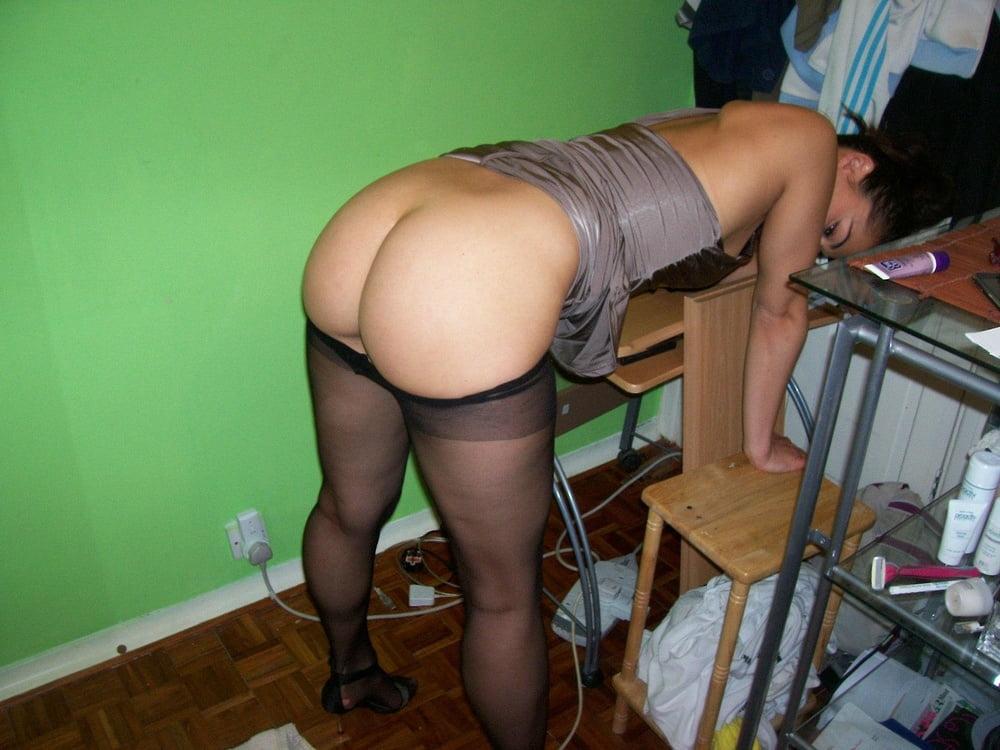 сексе которой голая попа на работе хотела целовать