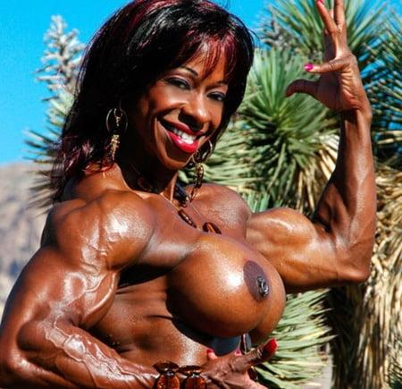 vrouw ontvangt thuis sensuele massage