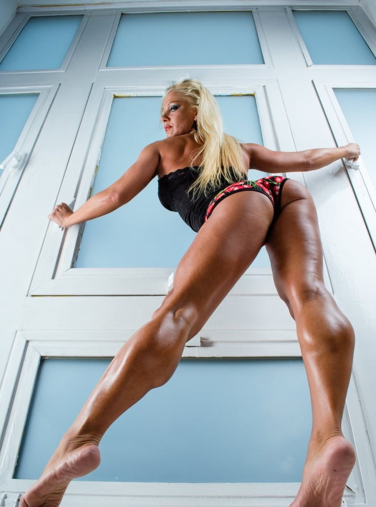 Best leg exercise for women to get sexy and strong legs