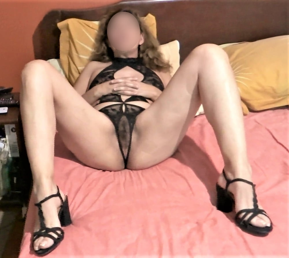 MATURE WIFE, HAIRY PUSSY, 55 YEARS OLD