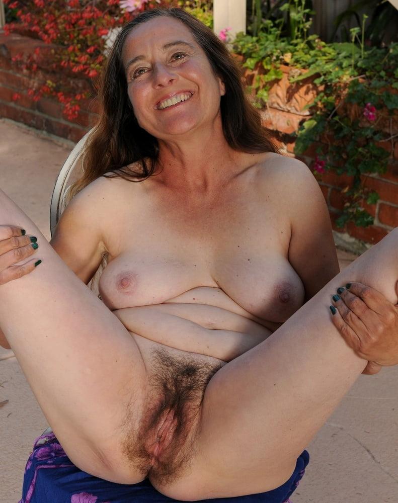 Xxx Nude Hairy Older Women Pics