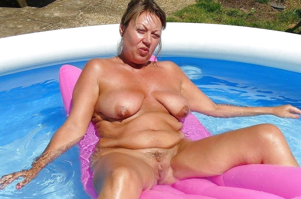 Nude pool moms, girls gone wild oral