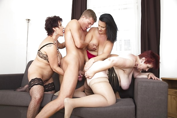 mia-mature-group-jerk