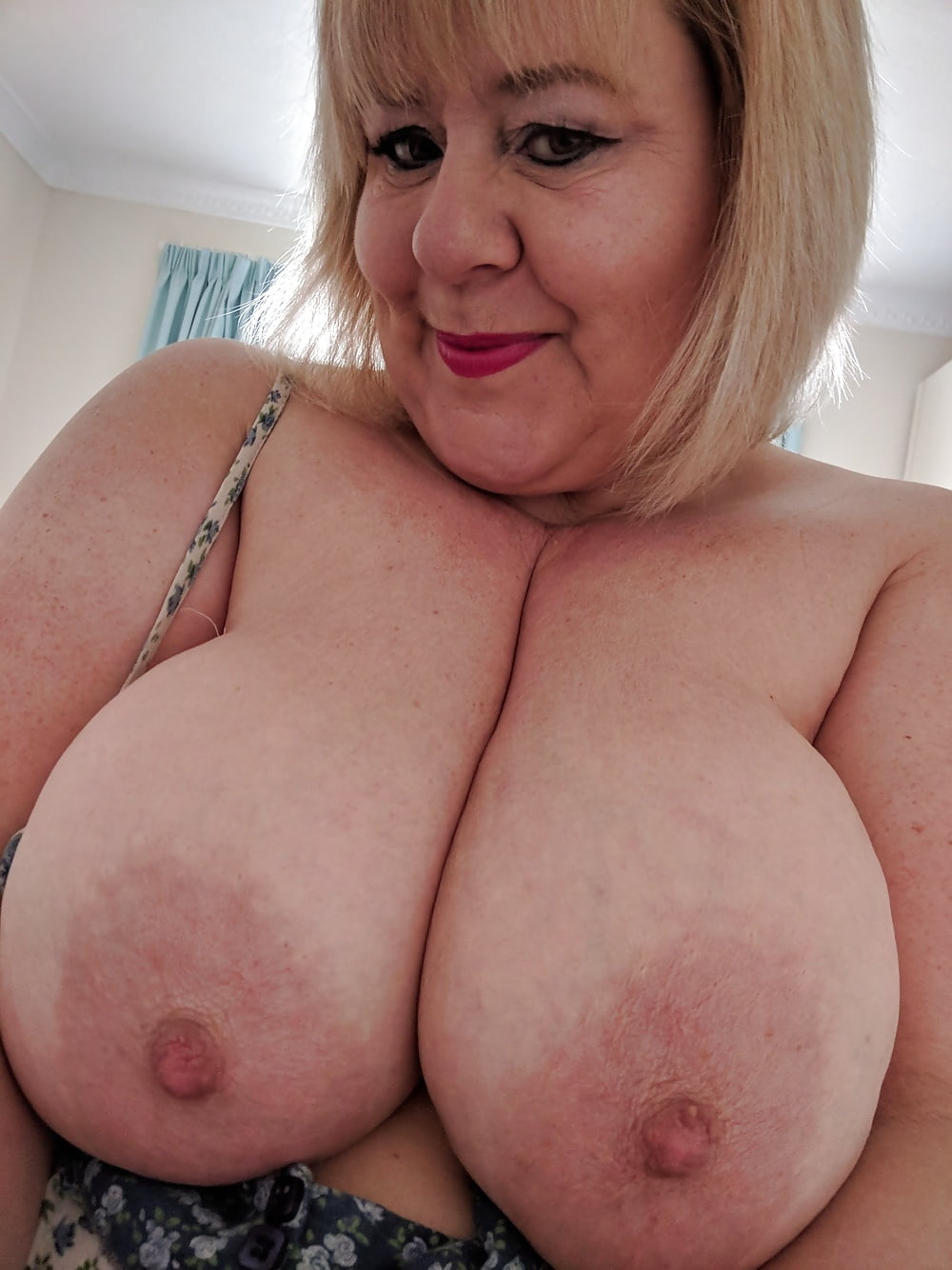 Nude big breast grannies — img 10