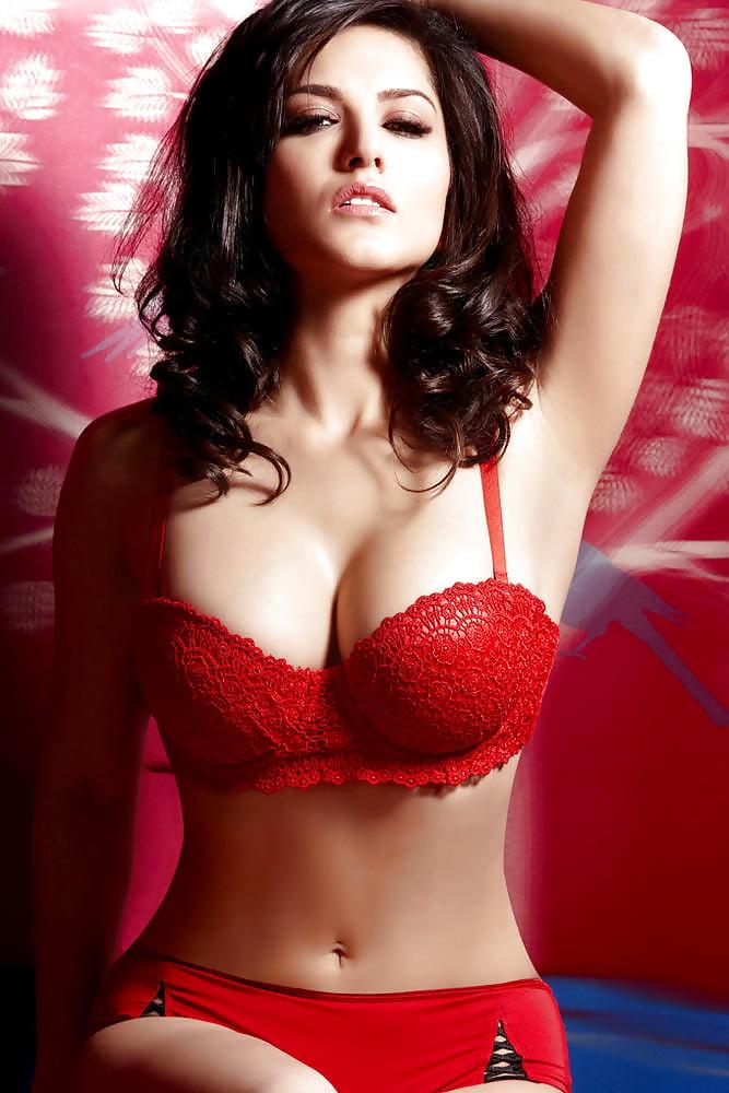 pornstar-in-red-bikini