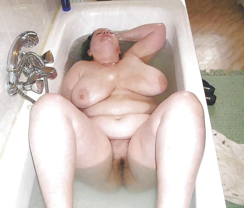 Bbw Tub