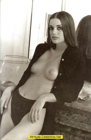 Sybil Buck  nackt