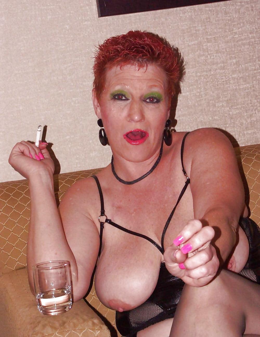 Smoking Milf Porn, Bbw Mom Pics