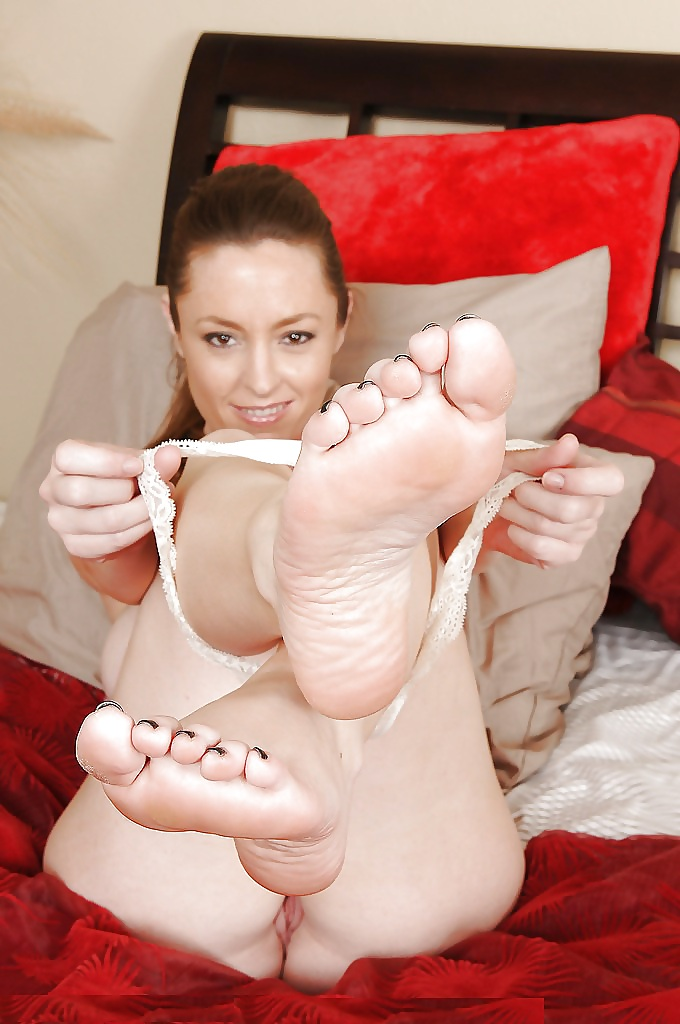 Foot fetish picture torrent, blonde pussy tug job