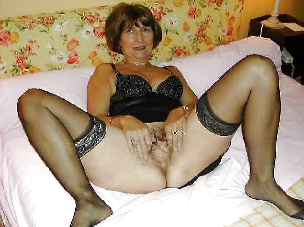 Milfs in bikini for your pleasure