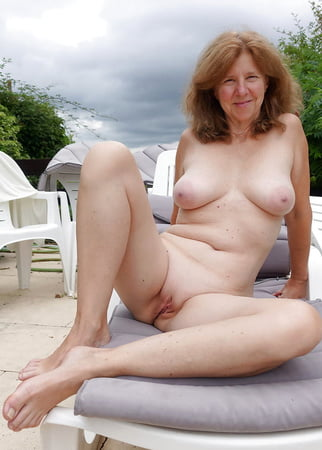 Nackte oma geile Nackte Oma