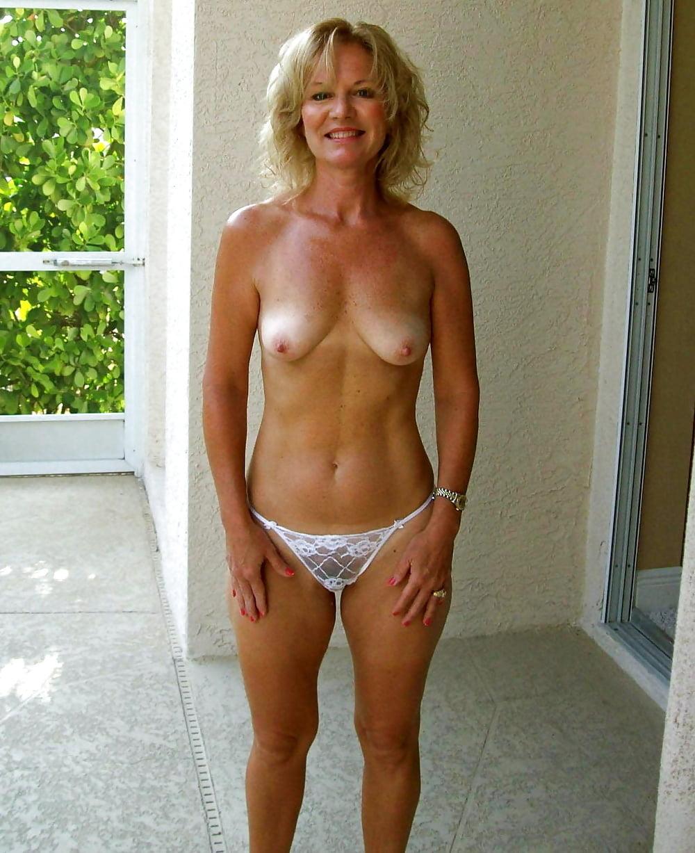Average mature woman topless — img 13