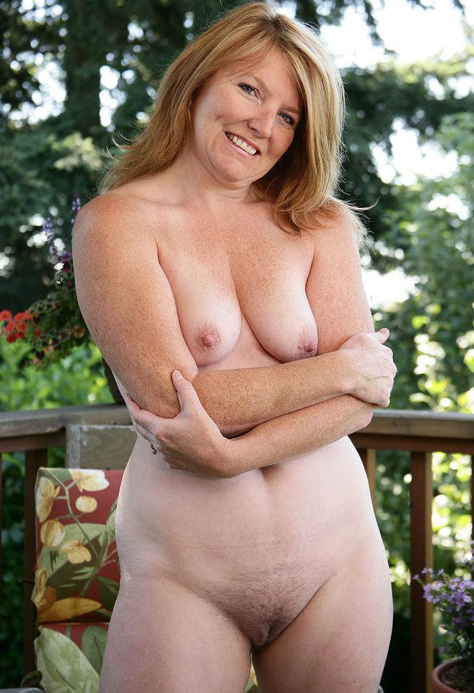 потом стало эротические фото женщин постарше голая гимнастка