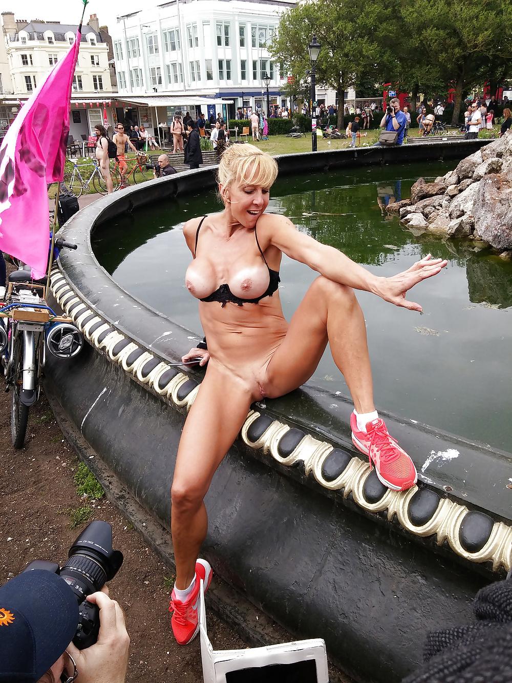 rubin-assaulted-ebonnyporn-at-public-photos-nude
