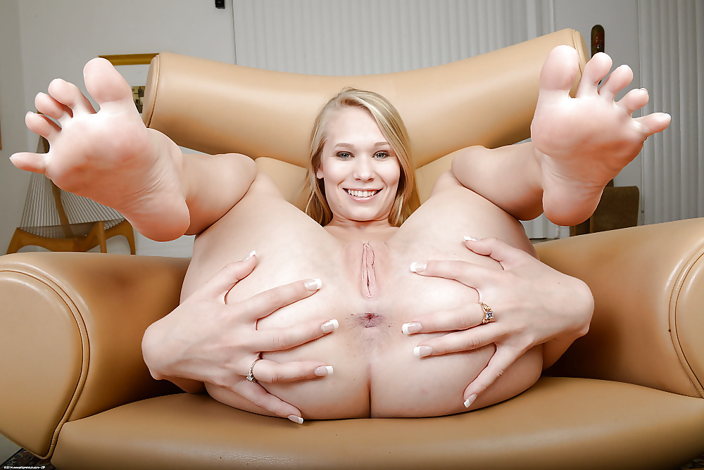 Young girls nude foot fetish